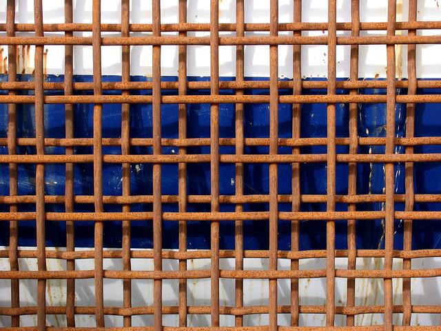 Rust grid og blått