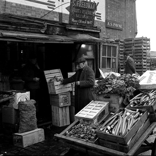 BRENTFORD MARKET WINTER LATE 60s C