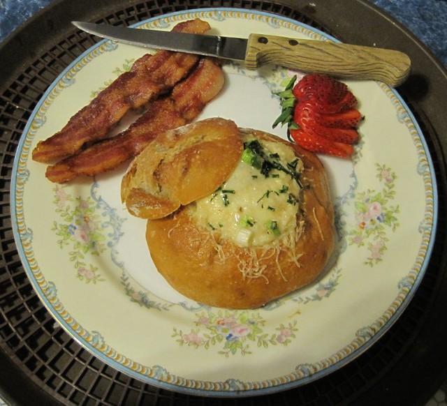 Baked Egg Topping In Bread Bowl: Baked Egg In Bread Bowl