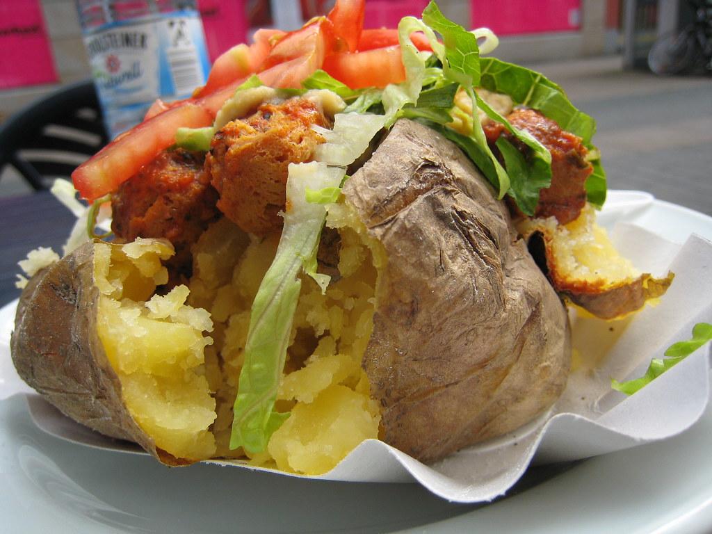 arabic baked potato at kartoffel lord vegetarische kuche