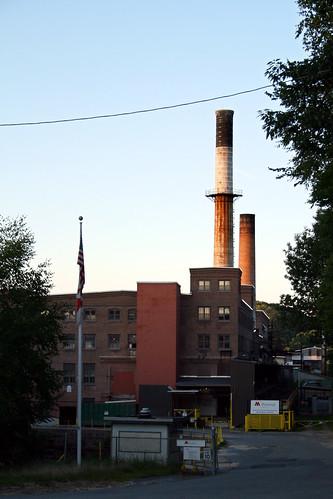 sunset mill paper factory kitlens smokestacks papermill fitchburg depotstreet canonefs1855mmf3556iiusm rebelxti fitchburgma munksjöpaper