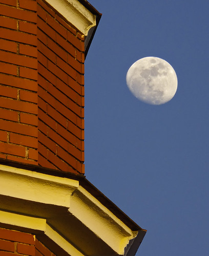 blue red moon landscape atardecer edificio luna cielo ocaso extremadura composición guareña kikoesperilla