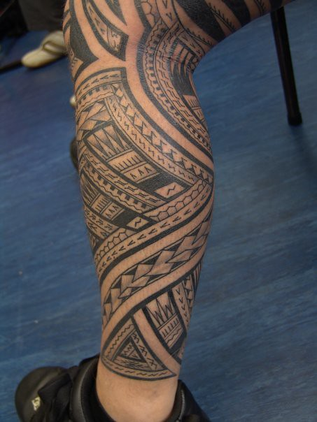 Samoan tattoo leg woman