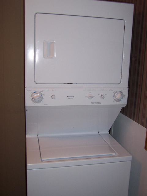 Frigidaire Stacked Washer Dryer Flxe52rbs9 Flickr