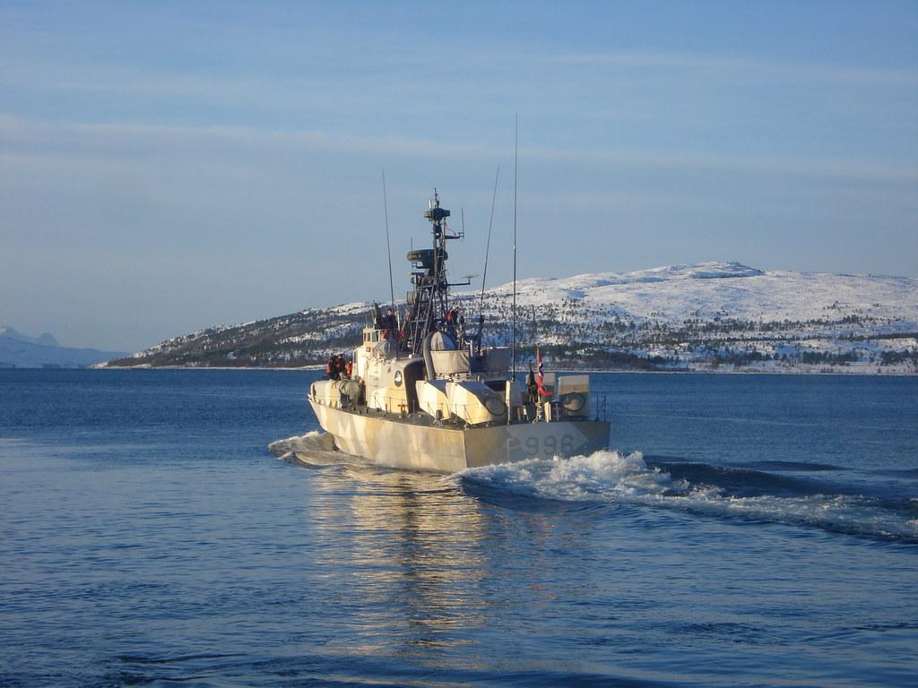 مصر تعزز سلاحها البحري بسبع قطع من النرويج. - صفحة 2 4706810680_656884dcf5_b