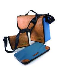 orange(0.0), bag(1.0), shoulder bag(1.0), handbag(1.0), hand luggage(1.0), messenger bag(1.0), leather(1.0),
