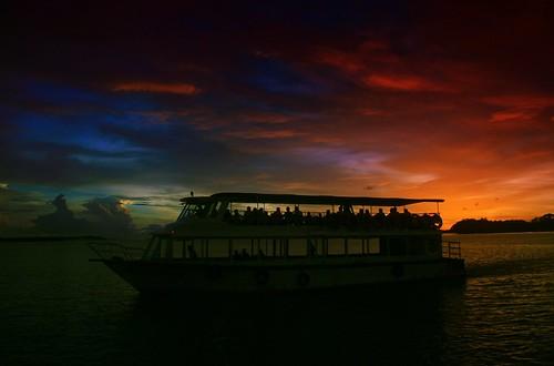 sunset silhouette boat sunsetmania