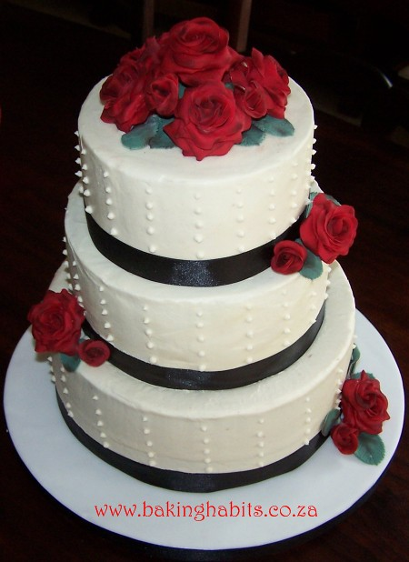 Red Black and White Wedding cake This cake was for a lovely bride