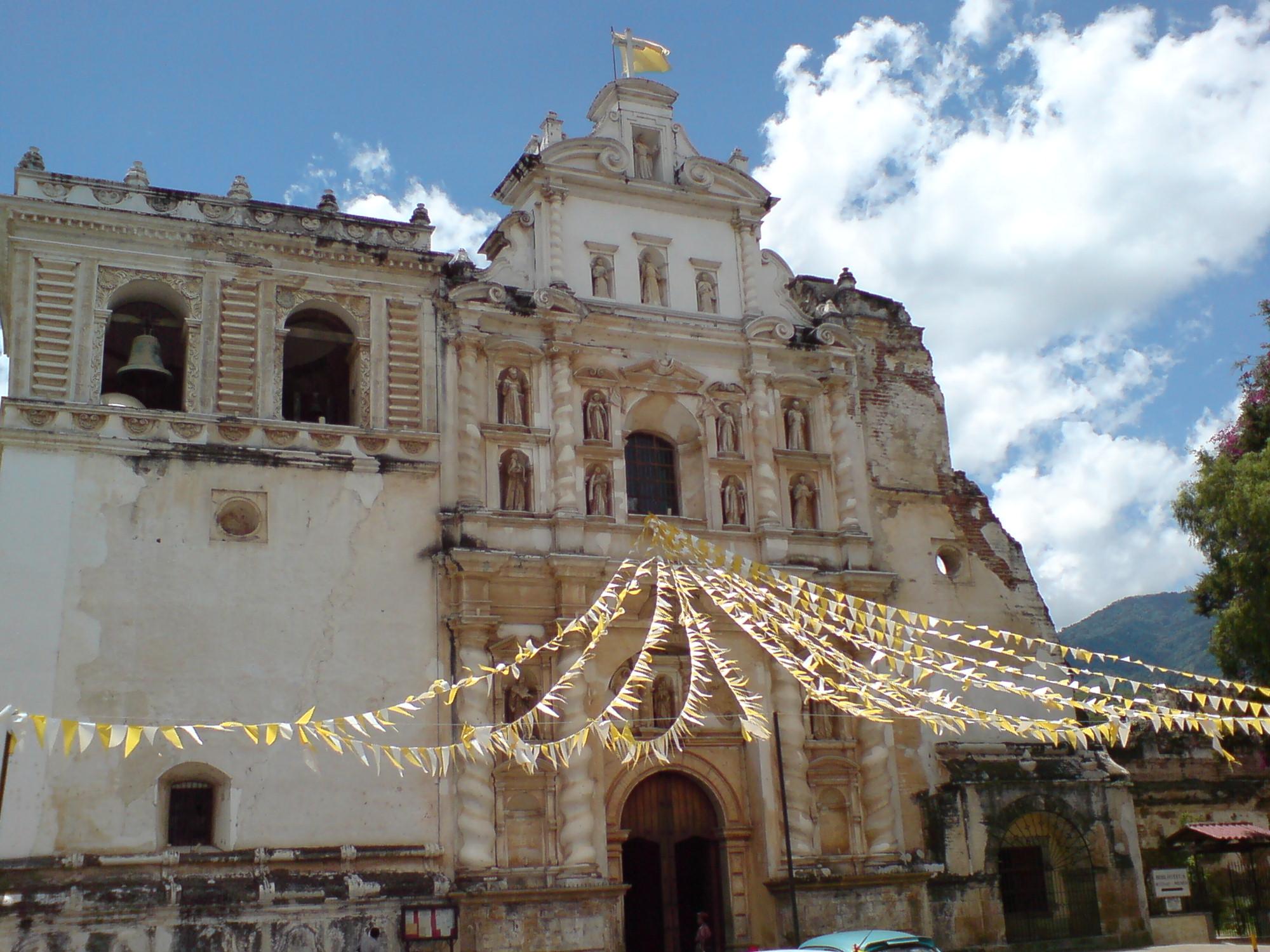 San Francisco El Grande, días después de su celebración del Corpus Christi en Antigua Guatemala