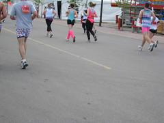 duathlon(0.0), inline speed skating(0.0), physical exercise(0.0), marathon(1.0), athletics(1.0), endurance sports(1.0), sports(1.0), running(1.0), race(1.0), street sports(1.0),