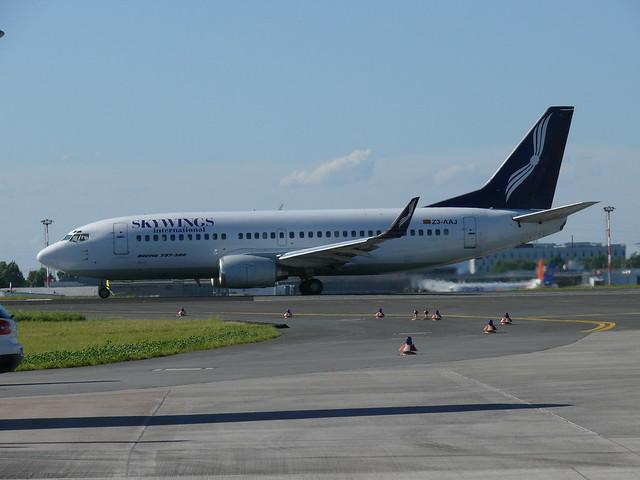 SKYWINGS Boeing 737-300