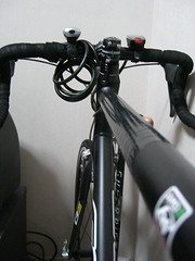 road bicycle, wheel, vehicle, sports equipment, groupset, cycling, bicycle frame, bicycle,