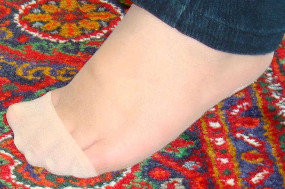 عکس پای زنان با جوراب