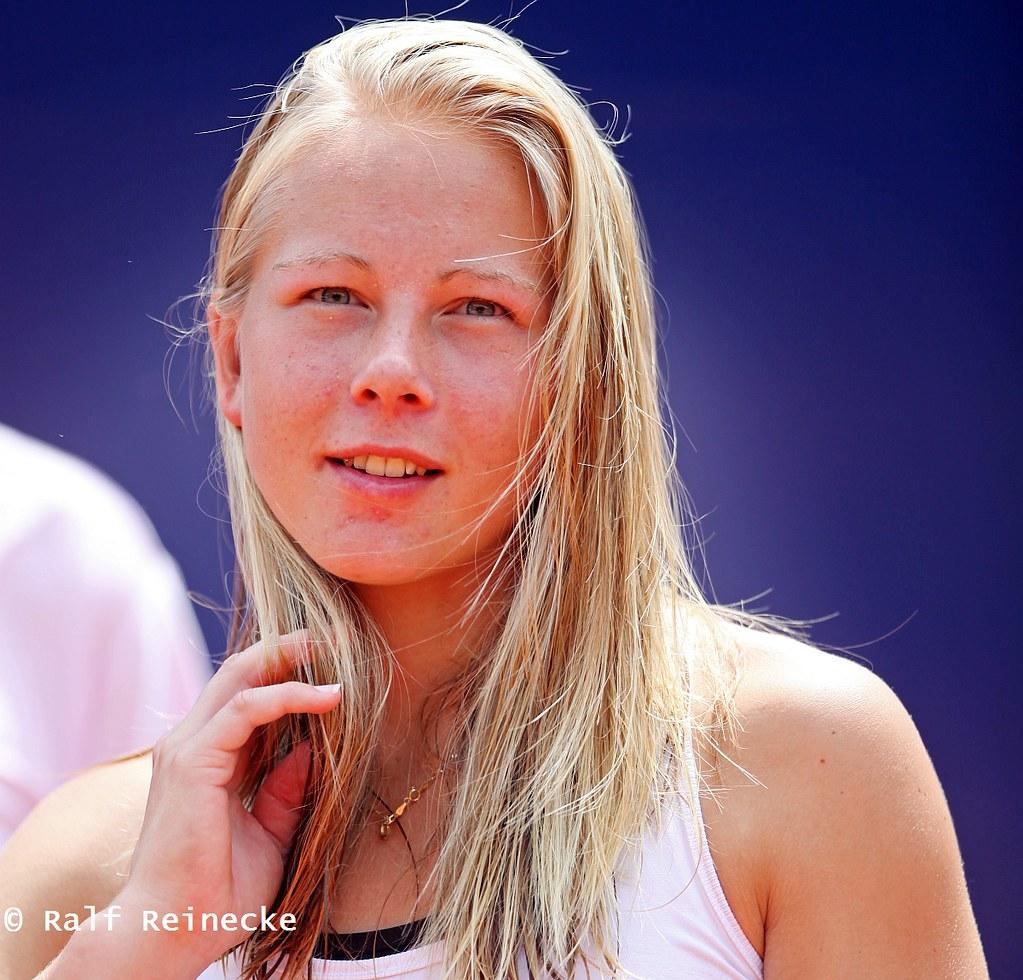 Classify Swedish Tennis Player Johanna Larsson