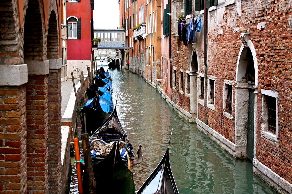 Gondolas Channel