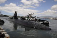 In this file photo, USS Jacksonville (SSN 699) departs Joint Base Pearl Harbor-Hickam for June 2010 deployment. (U.S. Navy/MC2 Ronald Gutridge)