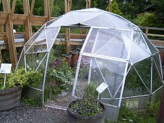tool(0.0), greenhouse(1.0), outdoor structure(1.0),