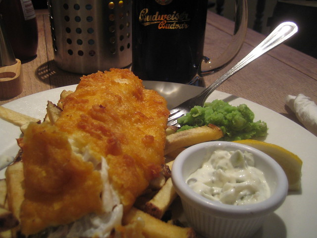 Beer battered cod and maris piper chips with mushy peas for Beer battered fish
