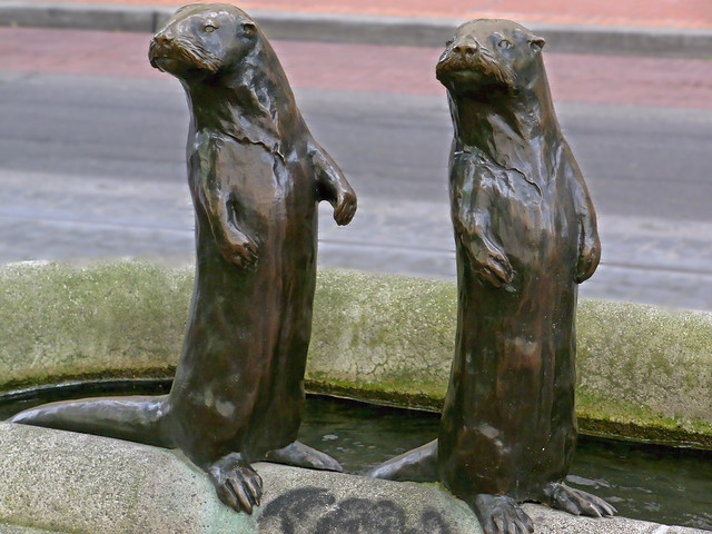 Otter statues downtown portland oregon usa flickr for Garden statues portland oregon