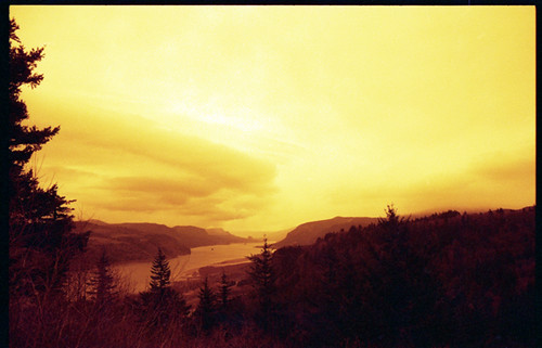 film oregon 35mm river landscape pentax columbia gorge mesuper redscale