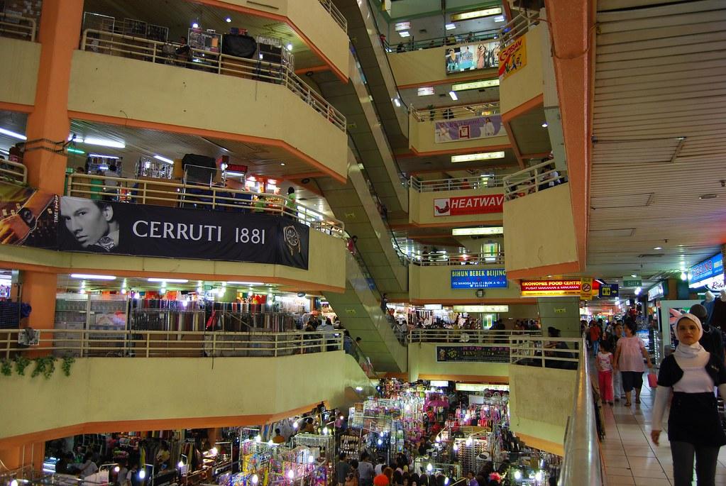 Shopping di Mangga Dua Jakarta Mangga Dua Mall Jakarta 1