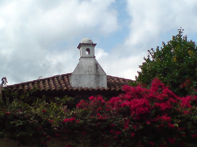 Chimenea de una casa colonial antigua guatemala flickr - Reformar una casa antigua ...
