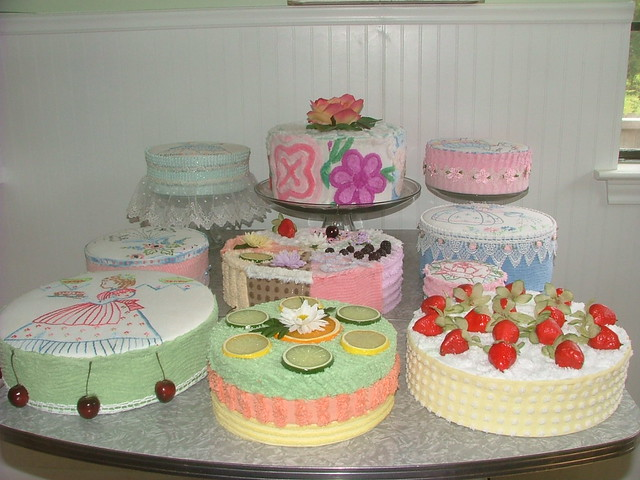 Vintage chenille cake display