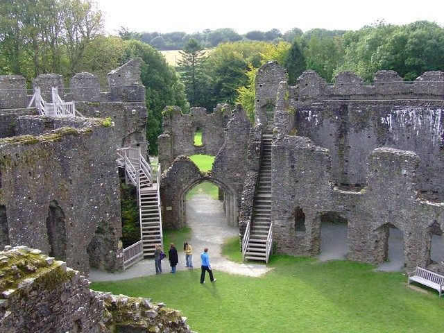 The main gate from the battlements