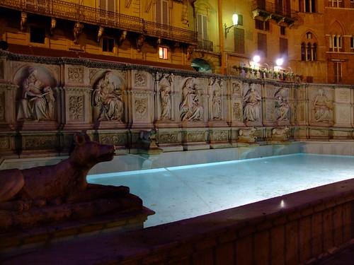 Fonte Gaia - Siena (Fonte: rebol su Flickr)