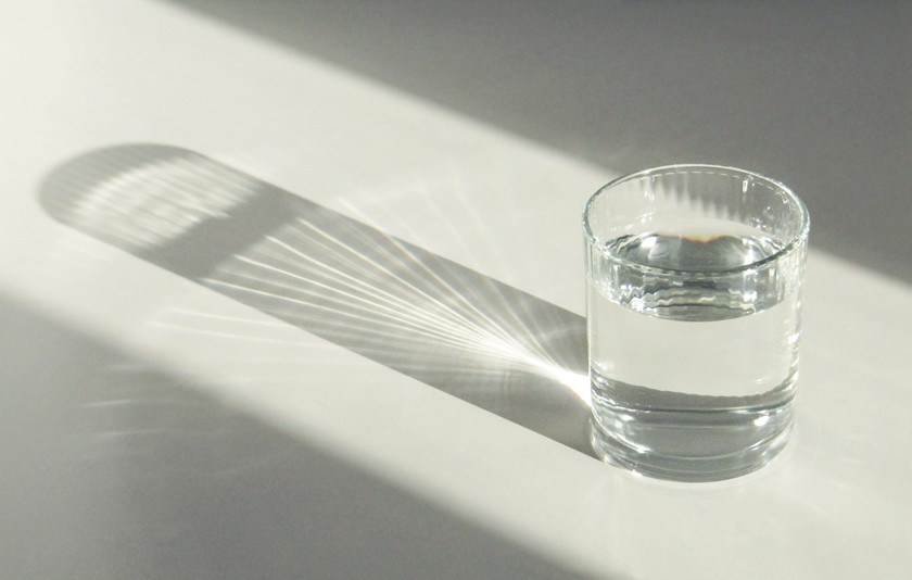 glass-of-water-in-the-sunlight