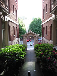Rose Friend Apartments - Courtyard and Entry Arch - May 29, 2006