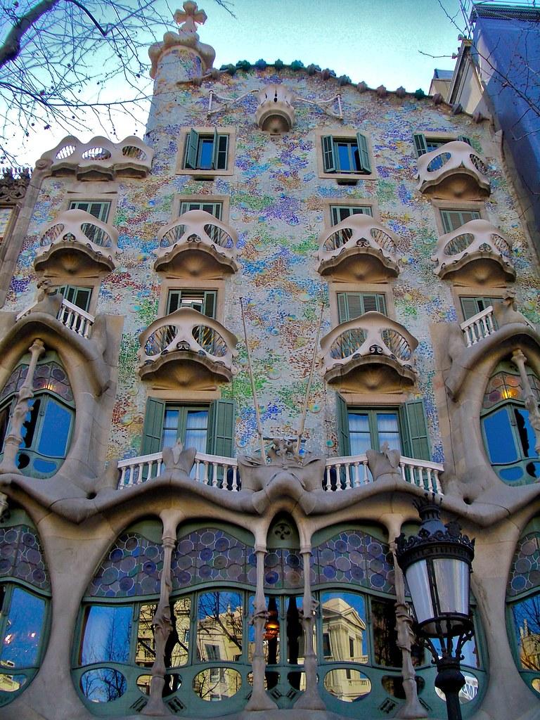 The iconic casa batllo by antoni gaudi twistedsifter - Casas de gaudi ...