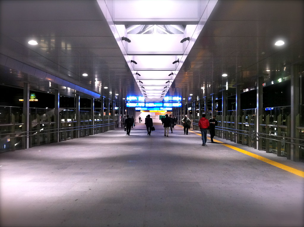JR宇都宮駅の東口通路