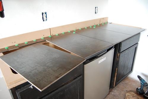 Wood look ceramic tile countertop roselawnlutheran for Ceramic tile kitchen countertops ideas