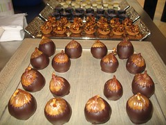 baking, chocolate truffle, chocolate balls, bonbon, baked goods, food, chocolate, cuisine, praline,