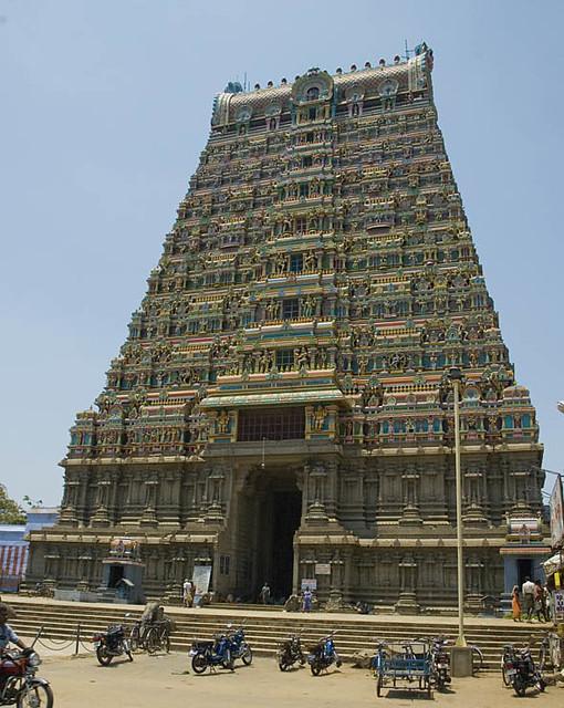 1223807811 136dd12ac0 z - Los templos Vímana en la India