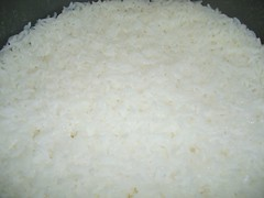 idiyappam(0.0), basmati(0.0), steamed rice(1.0), food grain(1.0), rice(1.0), jasmine rice(1.0), food(1.0), white rice(1.0), dish(1.0), glutinous rice(1.0),