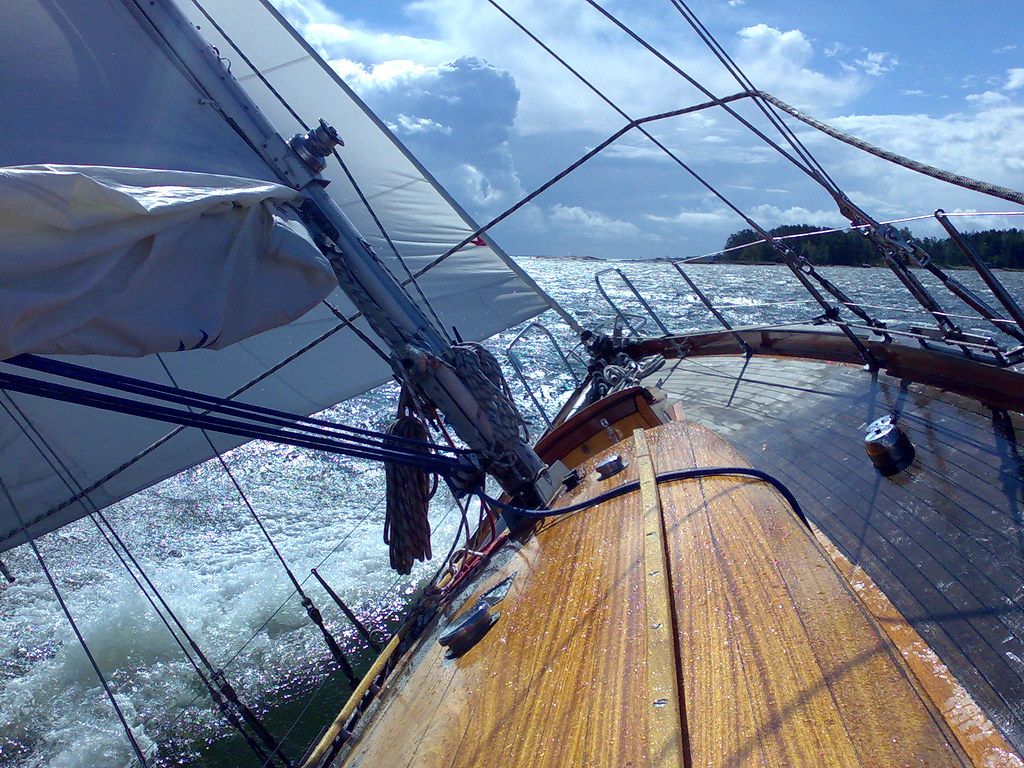 Tacking against the wind