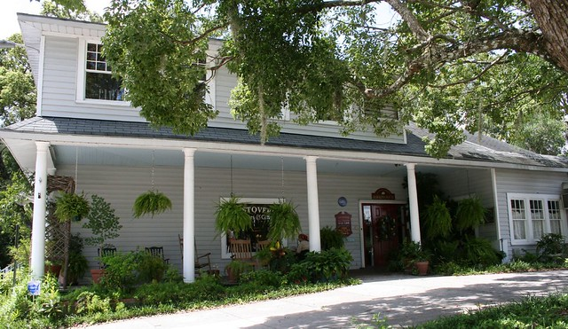 Mallie Kaylas Cafe/Hawkins House