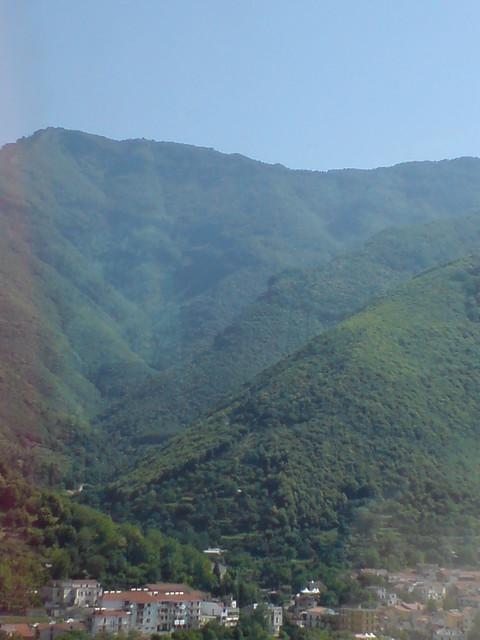v shaped valley - photo #27