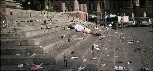 "ROME - The Neglect of Rome's Cultural Heritage by the Ministry of Culture (2008-11), and the City of Rome (2005 - 11): The Piazza Trilussa - ""Rome Welcomes Tourism Con Brio, but Not Too Much. "" The New York Times (26/06/2007)."