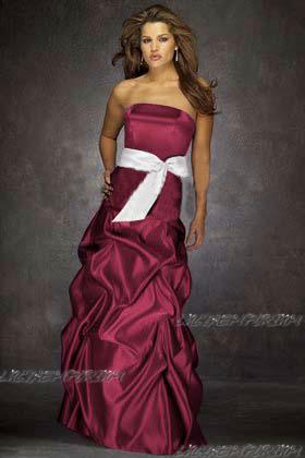 ragazzi cerco delle foto di vestiti da principessa per una