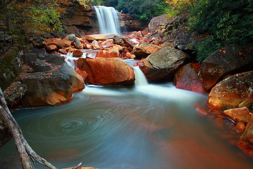 long-exposure-autumn-waterfalls