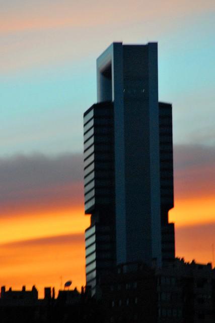 27 100821 Torre CajaMadrid-REPSOL desde la M-30 30842
