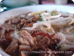 noodle(1.0), bãºn bã² huế(1.0), noodle soup(1.0), meat(1.0), food(1.0), dish(1.0), bulgogi(1.0), soup(1.0), cuisine(1.0),