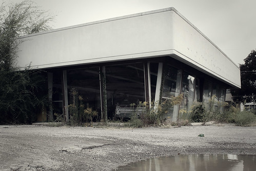 Abandoned Ohio Chrysler Dealership Victory Rolls And V8s