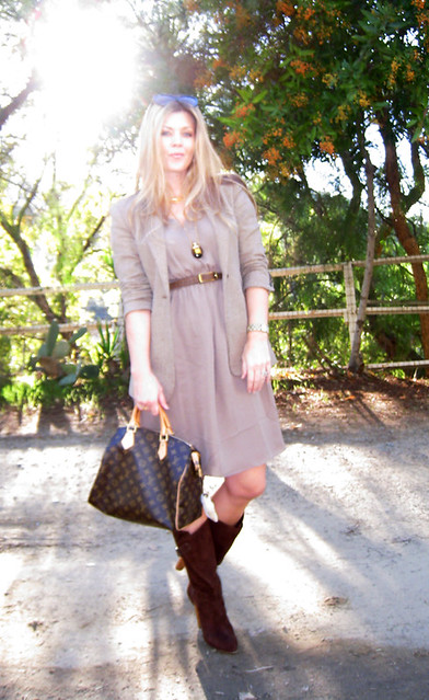sun+los angeles+outfit+fashion+mixing neutrals trend+brown boots+louis vuitton speedy bag+straight blonde hair+the hills+gold jewelry