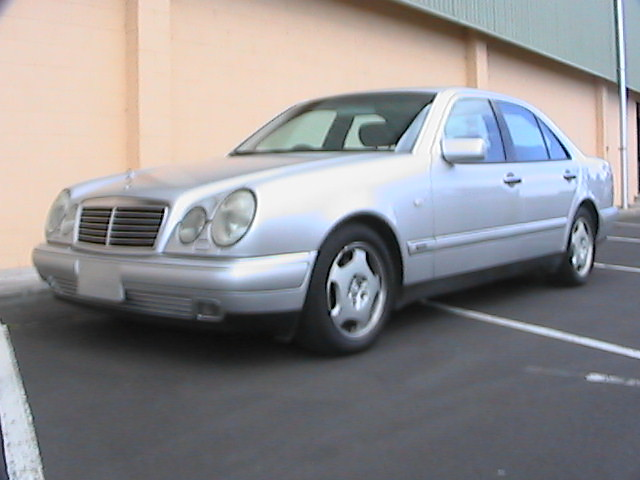 1998 Mercedes Benz E430  No 40480