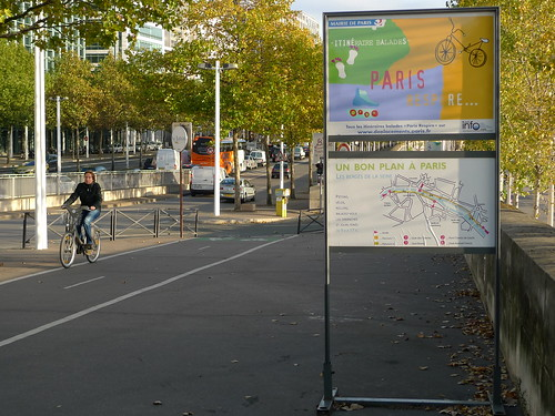 Which way? Navigating your way out of Paris can be tricky business. Photo: jean-louis zimmermann