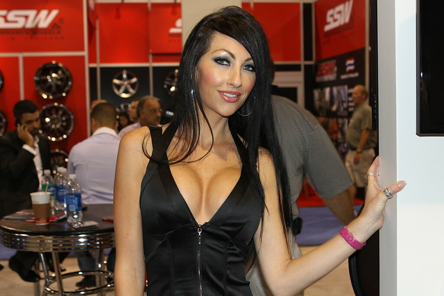2010 SEMA Booth Girls
